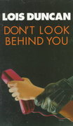 Don't Look Behind You 0 9780440207290 0440207290
