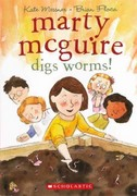 Marty McGuire Digs Worms! 0 9780606238991 0606238999